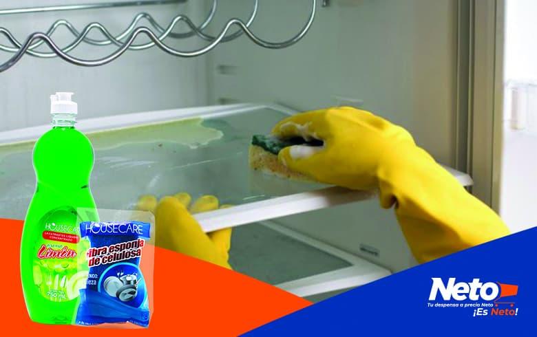 ¿Cómo quitar el mal olor del refrigerador?